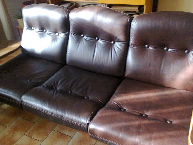 4699a34ef3b9 Bőr ülőgarnitúra eladó (3+2)